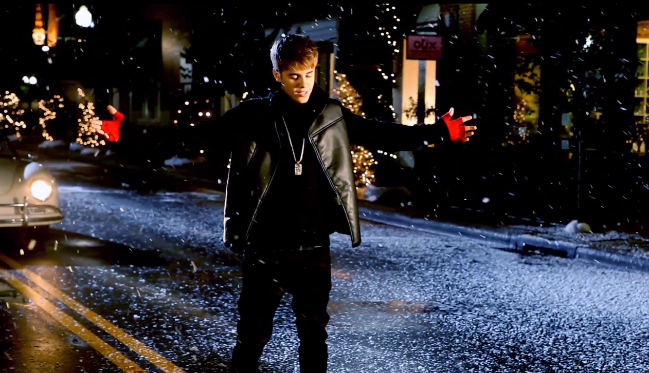 Justin Bieber Releases Teaser And Lyrics For 'Mistletoe' | Entertainment Daily